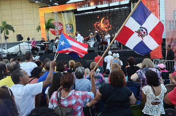 Dominicanos y puertorriqueños celebraron recientemente en Hato Rey el acuerdo comercial firmado entre ambas naciones. (Diálogo/ Ricardo Alcaraz)
