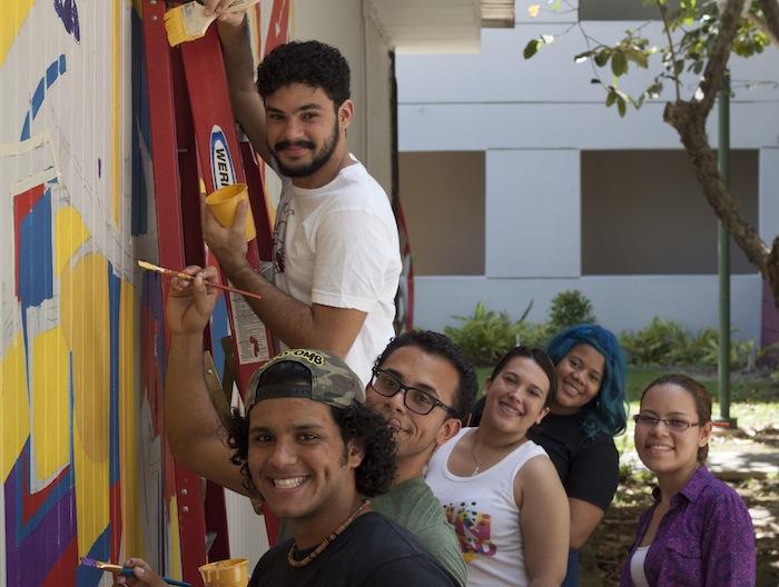 Murales en UPR Carolina (Ivana Alonso/ Diálogo)