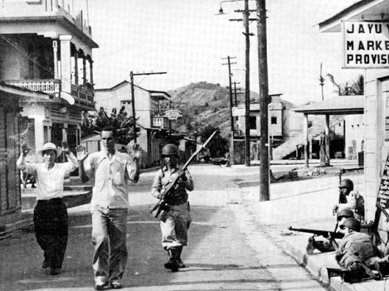 Una estampa del operativo militar efectuado por las Fuerzas Armadas de Estados Unidos en Jayuya, en 1950. (Suministrada)