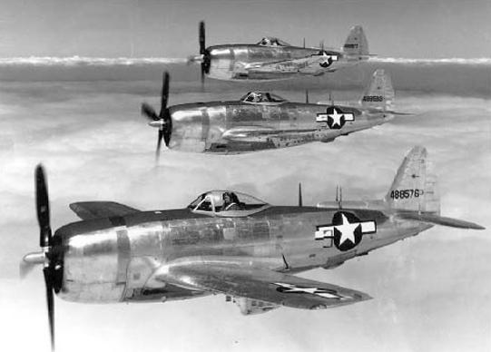 Imagen de los aviones Thunderbird P47 que bombardearon a Utuado y Jayuya. (Suministrada)