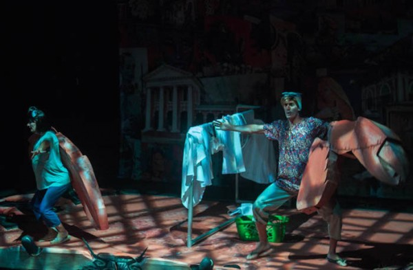 En términos teatrales, el ambiente y el lugar son los que son absurdos en Mundo Cruel, no sus personajes.  (Ivana Alonso / Diálogo)