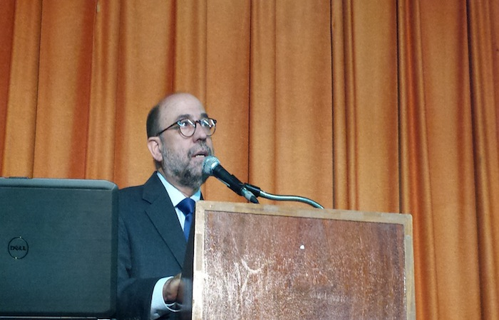 El doctor Cesar Rey, catedrático de la Escuela de Administración Pública de la Universidad de Puerto Rico Recinto de Río Piedras.