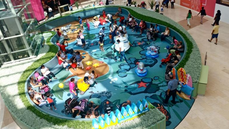 Espacio para el juego de niños (Foto / Mariola Pagán).