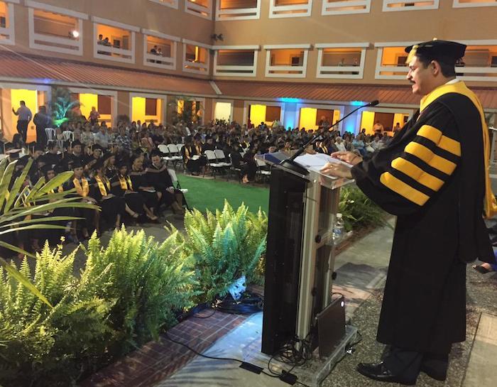 Presidente de la Universidad de Puerto Rico, Uroyoán R. Walker, en su discurso a los graduandos. (Twitter)