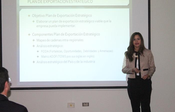 Melanie Figueroa, estudiante de la Escuela Graduada de Administración de Empresas de la UPR-RP. (Ronald Ávila Claudio/Diálogo)