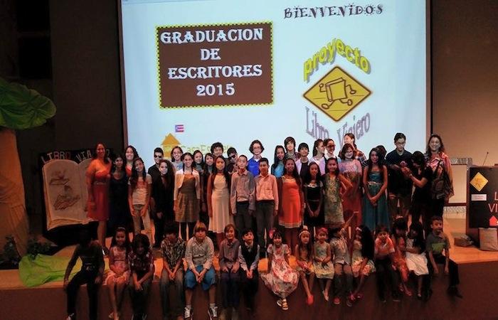 Graduación simbólica de la iniciativa El Libro Viajero. (Suministrada)