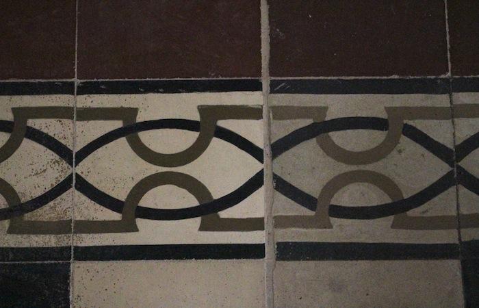 Al restaurar el suelo, se intentó parear el diseño de las losas nuevas con las originales. (Ronald Ávila/Diálogo)