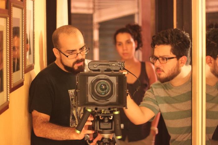 De izquirda a derecha: los cineastas Iván Velázquez y Juan Linares. (Suministrada)