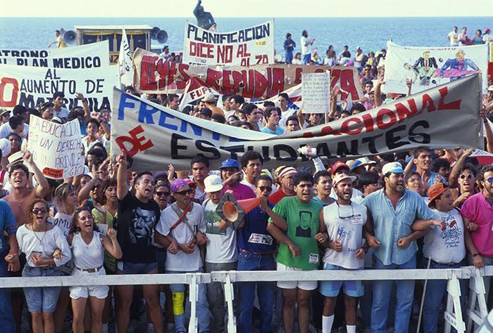 Protesta frente al Capitolio un día del 1991 en el que se realizaba un paro en la Universidad. (Ricardo Alcaraz/ Diálogo)