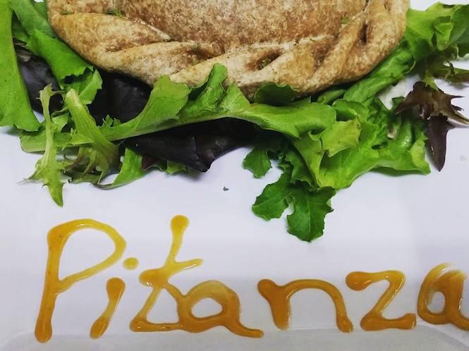 En el restaurante Pitanza también venden una variedad de empanadas veganas. (Suministrada)