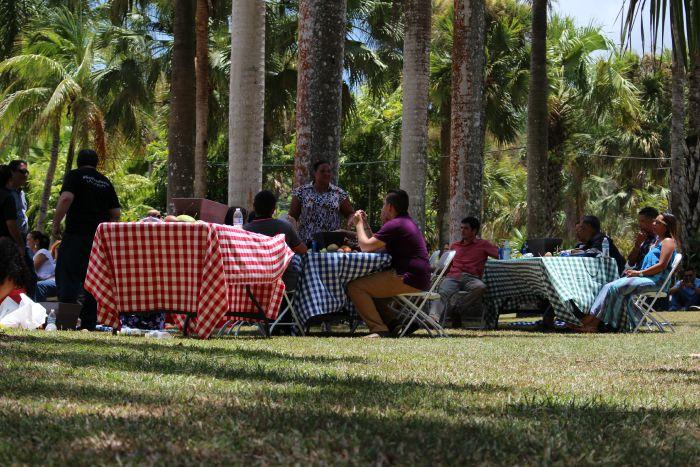 Al final reartieron sándwiches y todos comieron. (Juan Carlos Castillo/Diálogo)