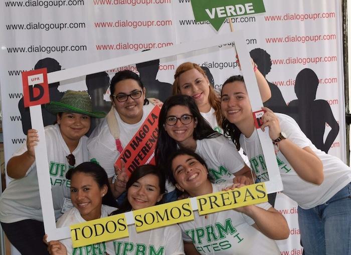 Estudiantes de nuevo ingreso del RUM en las actividades de bienvenida. (Nidia L. Ramos / Diálogo)