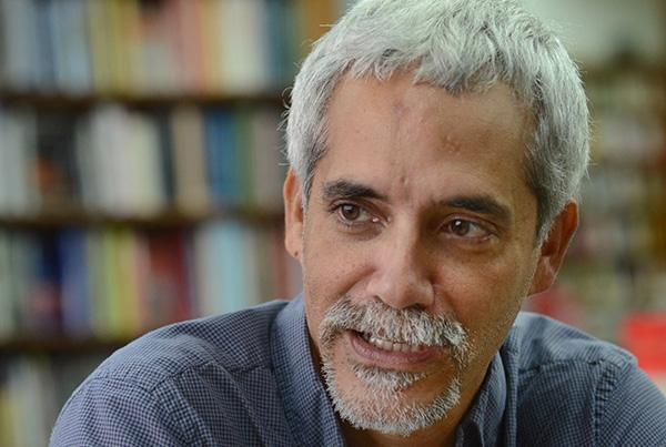 El escritor Rafah Acevedo.