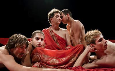 Teatro El Público en Calígula por Albert Camus. (Suministrada)