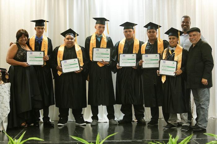 Un grupo de jóvenes fue distinguido por desarrollar el proyecto de emprendimiento agrícola de Nuestra Escuela. (Suministrada)