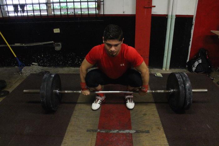 Equipo de pesas. (Ronald Ávila/ Diálogo)