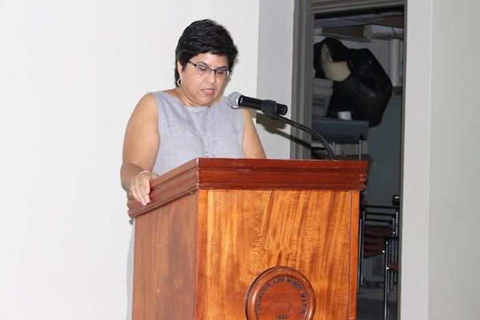 La doctora Miriam Lugo estuvo a cargo de la presentación del libro, La sequía de 1847 de Fernando Picó. (Cristian Arroyo / Diálogo)