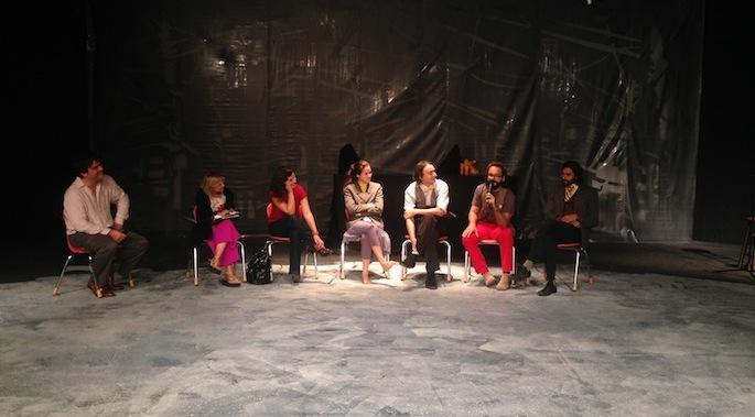 Dorian Lugo, Carola y Silvia junto Y no había Luz.(Isabel Almonte/ Diálogo)