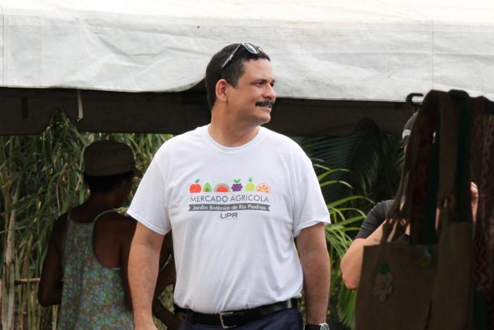 El presidente de la UPR, Uroyoán Walker, disfrutando de la actividad. (Michelle Estades/ Diálogo)