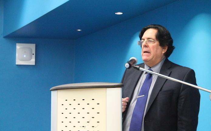 Marc Jean-Bernard es excónsul honorario de Francia en Puerto Rico y profesor en el Departamento de Humanidades de la Facultad de Estudios Generales de la UPR-RP. (Ronald Ávila/Diálogo)