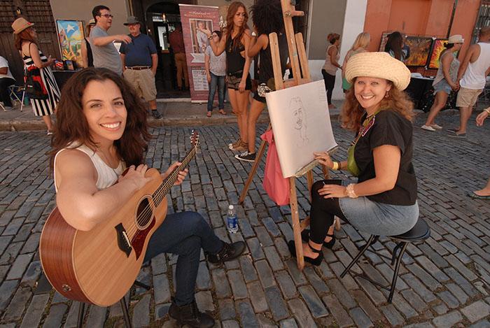 La cantante Nore Feliciano y la pintora Gabriela Esquivel