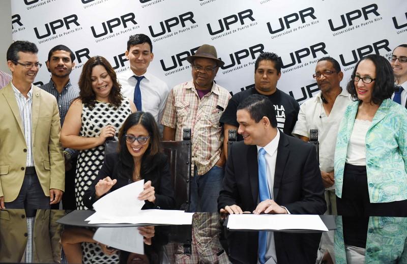El Presidente de la Universidad de Puerto Rico, Uroyoán R. Walker Ramos durante Firma Acuerdo UPR Y OFSA . (Foto por Ingrid Torres/suministrada)