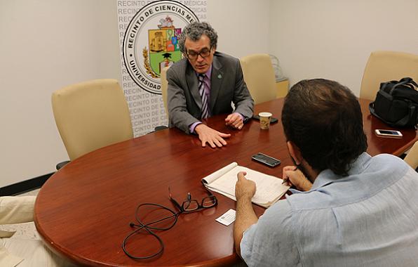 Diálogo conversó con el Dr. Pérez-Stable sobre su trabajo a favor de la salud de las minorías en Estados Unidos. (Especial para Diálogo/ David Cordero Mercado)
