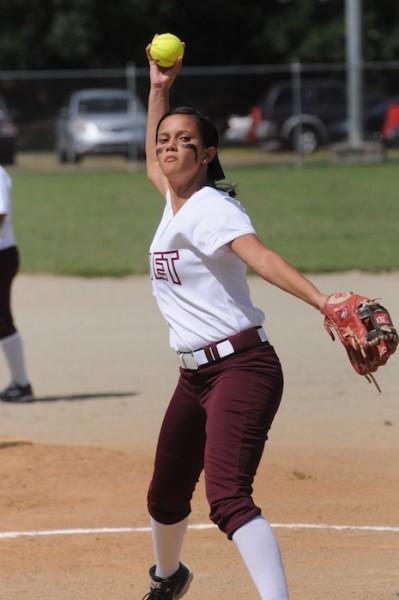 Stephanie Ubiles de la UMET fue la lanzadora ganadora en el partido contra la UNE. (Germán Rodriguez UNE)