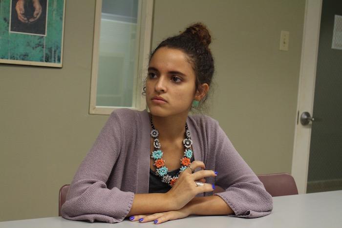 Cristina Muñoz, artista y estudiante del Recinto de Río Piedras de la Universidad de Puerto Rico. (Adriana De Jesús/Diálogo).