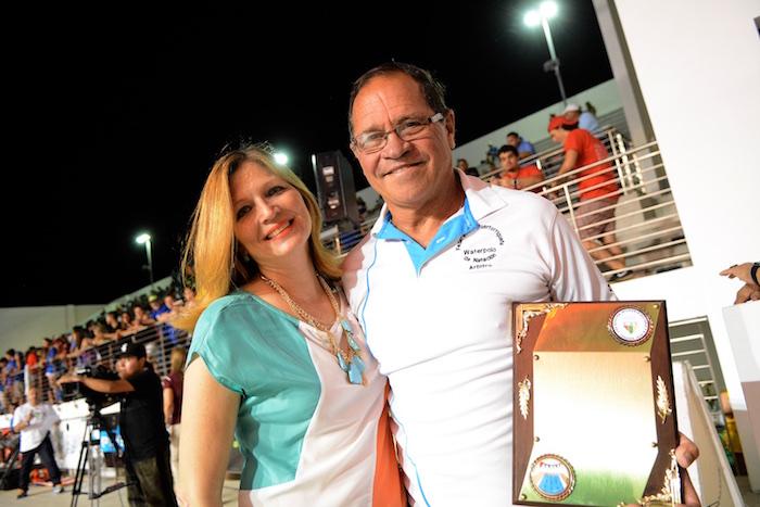 La LAI reconoció la labor de Manuel de Jesus por sus tres décadas compilando los resultados de natación y 29 de ellos en Atletismo. (Juan Costa/Suministrada)