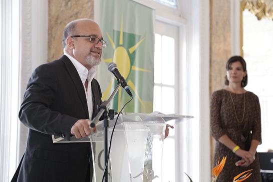 Rafael Bernabe en el foro de Cumbre Social. (Jerry Beltrán para Diálogo)