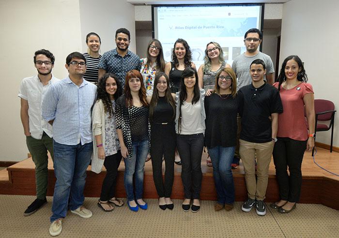 Estudiantes del curso GEOG 4015. (Ricardo Alcaraz/Diálogo)