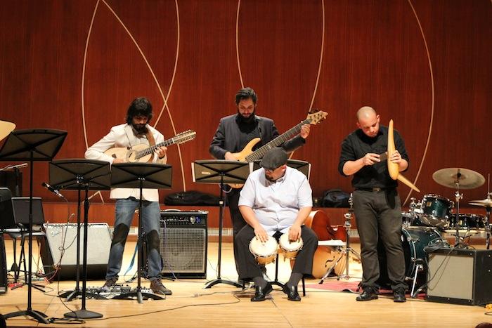 De izquierda a derecha Pablo Hernández Mejías, Jorge Parra, Carlos Pagán y José Eduardo Santana interpretando Inside Island. (Deborah A. Rodríguez / Diálogo UPR)