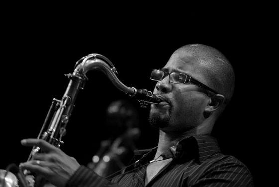 Sánchez aprendió mucho sobre la vida y la música con sus hermanos mayores. (Ricardo Alcaraz Díaz - Diálogo)