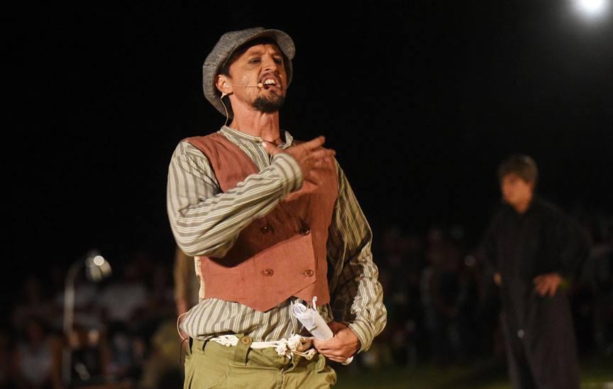 Ismael Lugo en Sueño de Una Noche de Verano en el parque Luis Muñoz Marín. (Ricardo Alcaraz/ Diálogo)