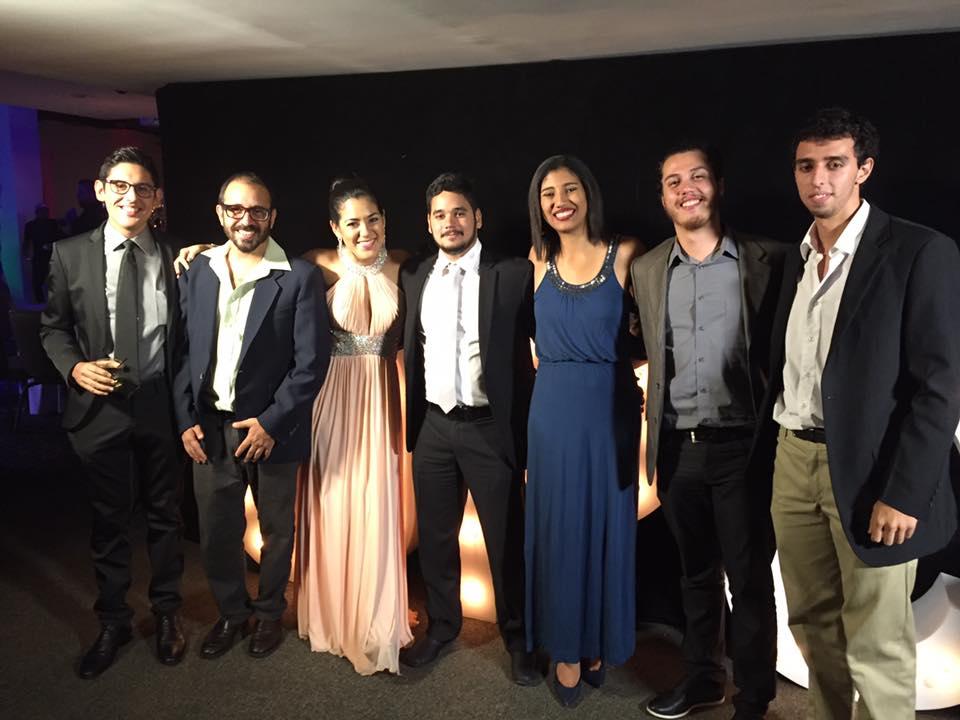 El equipo de Diálogo en la gala de premiación.
