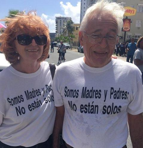 Imágenes de camisas en respaldo a los manifestantes. (Especial para Diálogo: Koralys Kercadó)