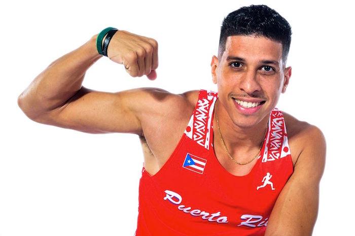 El vallista Alejandro indicó a Diálogo que confía establecer una marca personal en la semifinal. (Facebook)