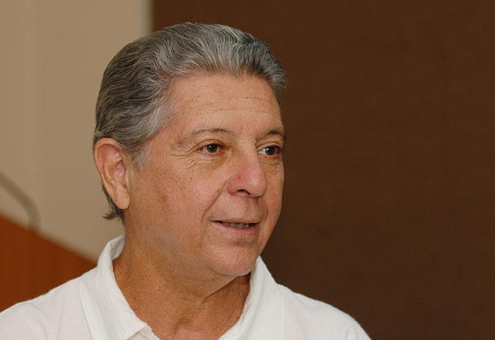 Alexis Massol, fundador de Casa Pueblo, en Adjuntas.(Ricardo Alcaraz/ Diálogo UPR)
