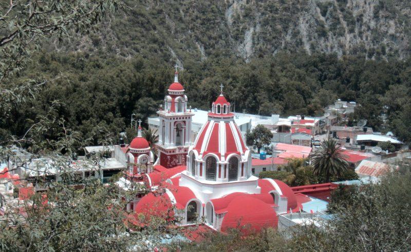 El centro de Xichú visto desde arriba. (Foto por Zory Rivera)