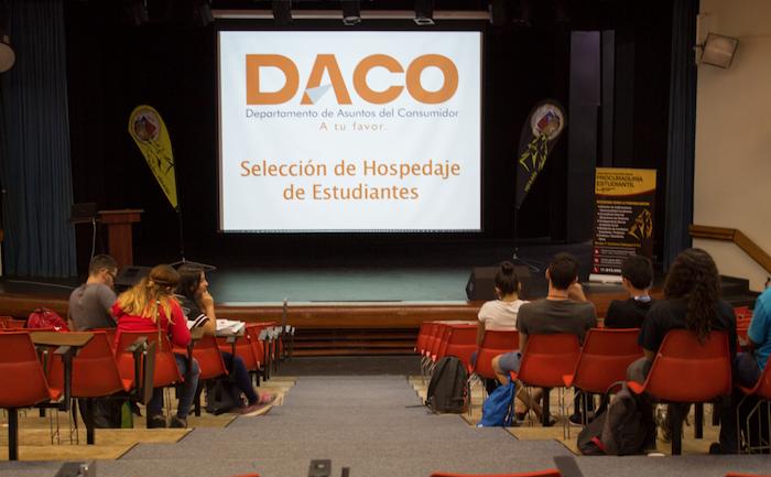 Orientación en UPR Arecibo. (Melvyn Centeno/ Diálogo)