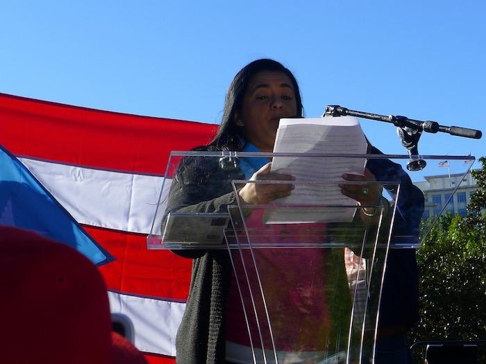 La hija de Oscar López, Clarisa, mantiene la esperanza de que su padre sea liberado pronto. (Diálogo)