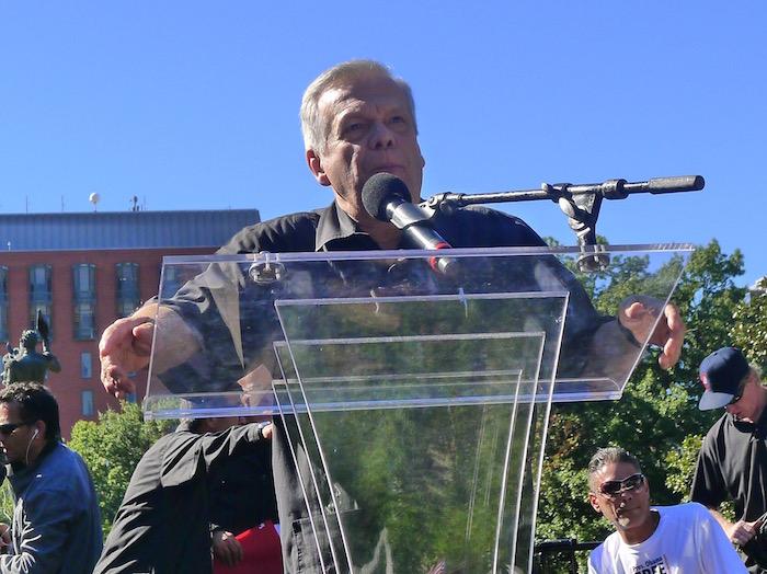 El discurso de José López, hermano de Oscar fue uno de los más emotivos de la tarde. (Diálogo)