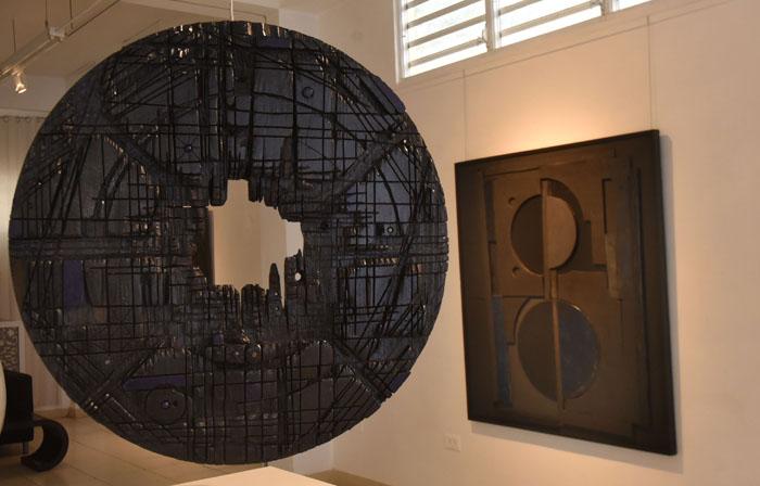 Las ocho piezas a exhibirse esta noche llevan negro como color conductor. (Ricardo Alcaraz/Diálogo)