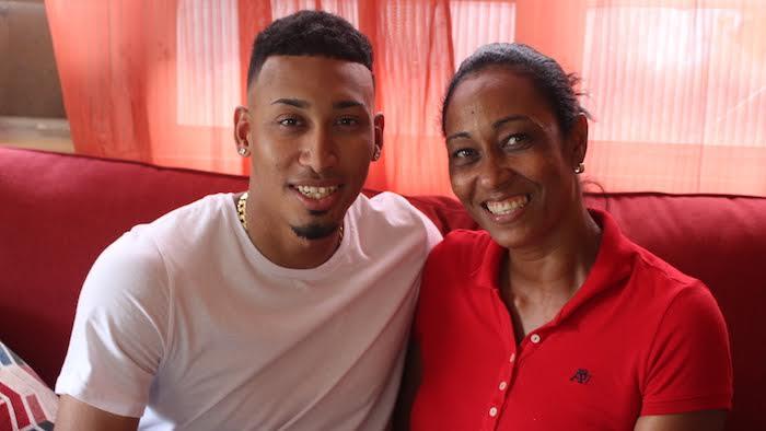"""""""El apoyo de mi familia nunca me ha faltado, sea en las buenas o en las malas"""", comentó Edwin"""