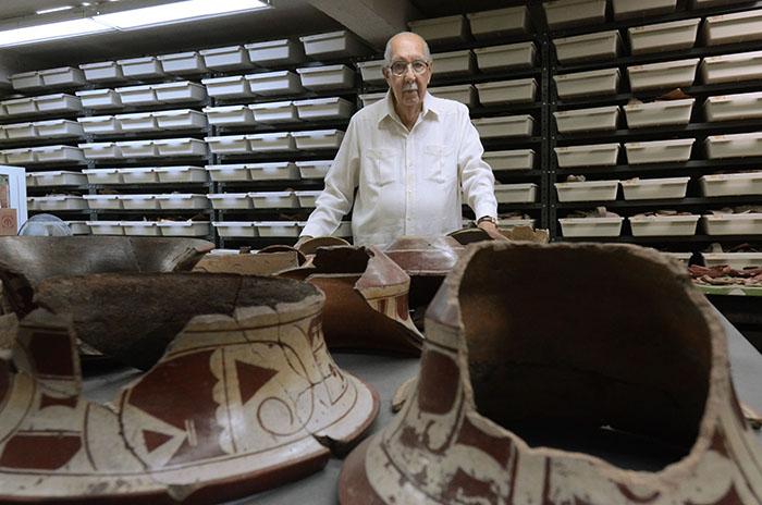 Luis Chanlatte, director del Centro Arqueológico ubicado en el Recinto de Río Piedras de la UPR/21 de marzo 2013