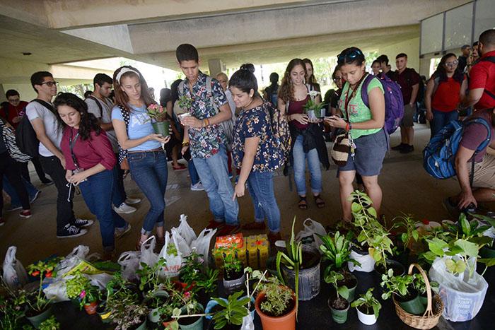 Además de estudiar las culturas agrícolas, uno de los temas que se problematizó en el curso fue el de la compañía Monsanto.