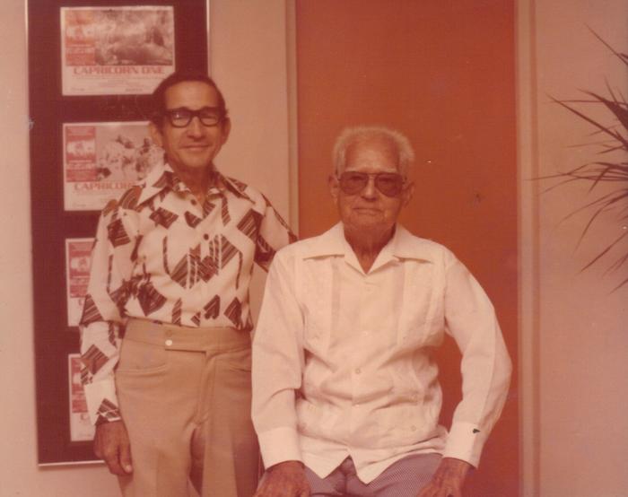 Rafael junto a su padre, Don Carlos Molinaris (suministrada por Gisela Molinaris)