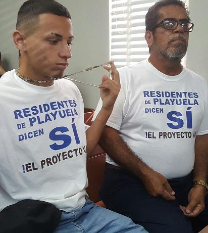 A la vista asistieron personas a favor del proyecto, aunque la mayoría que fue al Tribunal de Aguadilla, tanto afuera como adentro, eran parte de la oposición. (Diálogo)