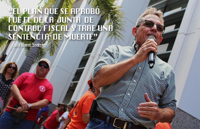 José Rivera Sanata portavoz de la Concentración en contra de la Junta de Control Fiscal